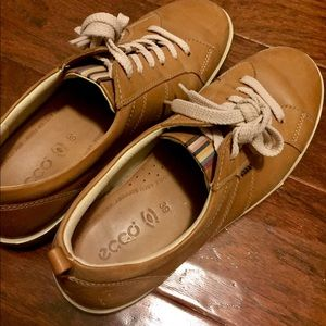 European-style leather walking shoes by Ecco